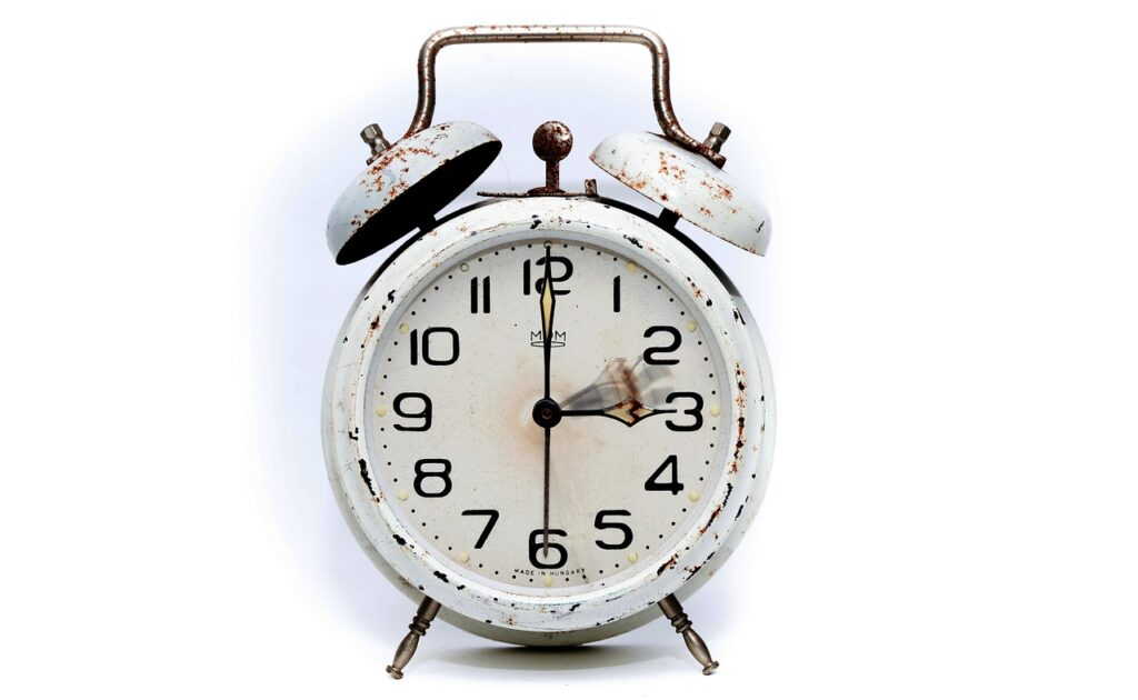 alarm clock, the summer time changeover, time conversion